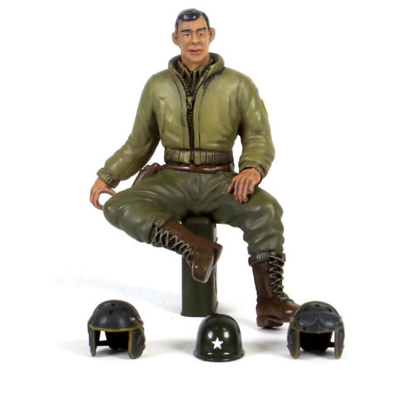 1/16 Figures Figure 2nd Lieutenant G. Clark Sitting