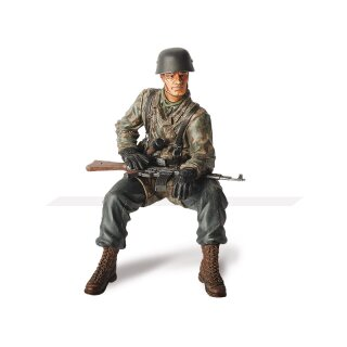 1/16 Figure Private First Class (Obergefreiter) Helmut...